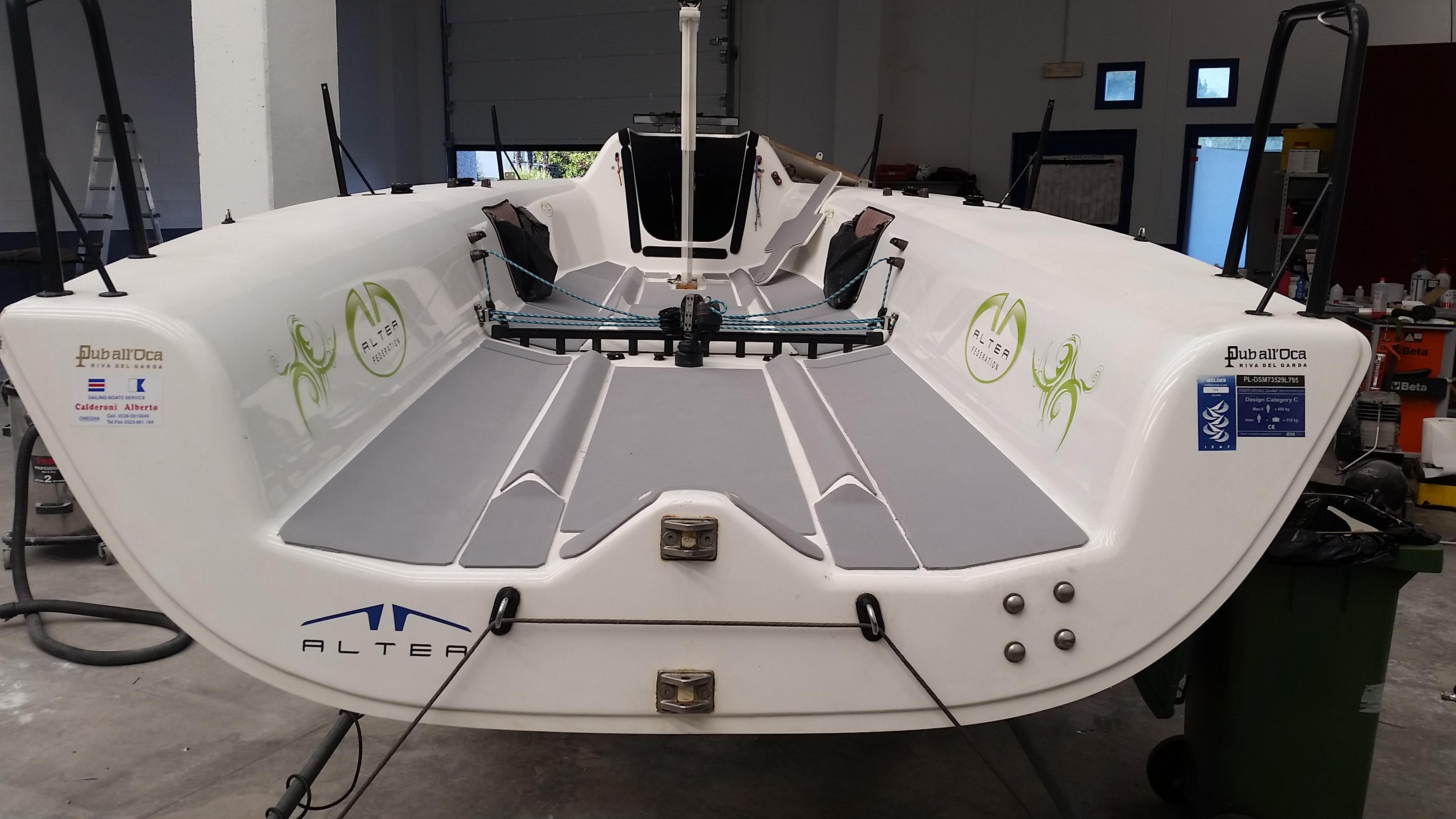 Seadek antiskid gomma antiscivolo autoadesiva per barche for Gomma per rivestimento scale